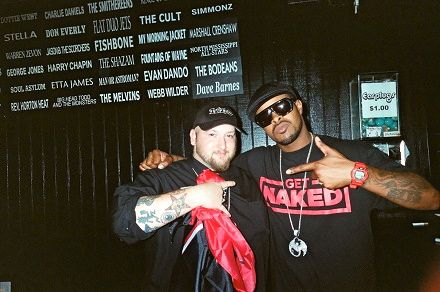 Kutt Calhoun And Fan - All 6's and 7's - The Tour - Nashville, Tennessee
