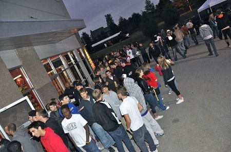 Fans Gather At KC Trends For Fast Fridays With Tech N9ne