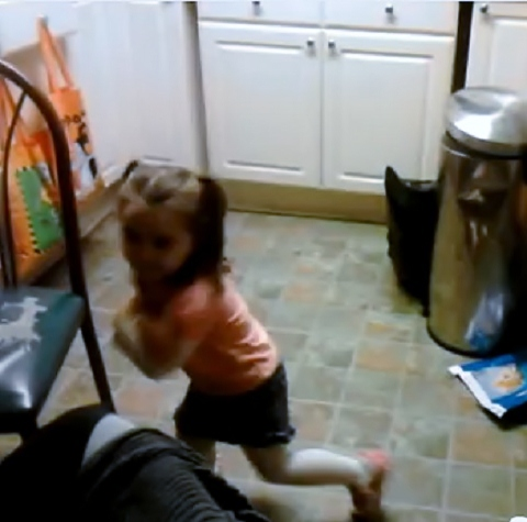 Little Girls Dances To Tech N9ne's 'Demons'