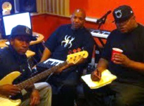 E-40 And Friends Show Love For Krizz Kaliko