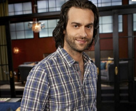 "Chris D'Elia Speaks Out On Tech N9ne's ""KLUSTEFUK"""