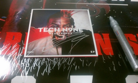 "Tech N9ne Signs ""KLUSTERFUK"" Pre-Orders"