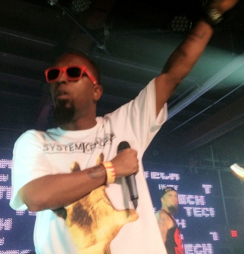 "Tech N9ne Performs ""Badlands"" With ¡MAYDAY!"