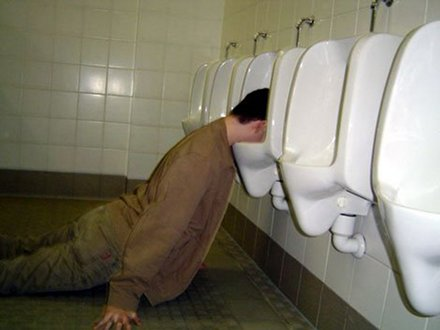 drunk_man_in_urinal_I_gave_up_drinking_when_I_woke_up_collection-s470x353-52597-580