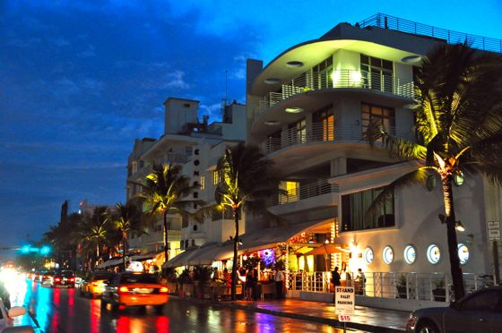 Ocean_drive_south_beach_miami_night